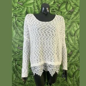 Decree size small ivory knit lace trim top